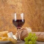 kruh-vino-sir